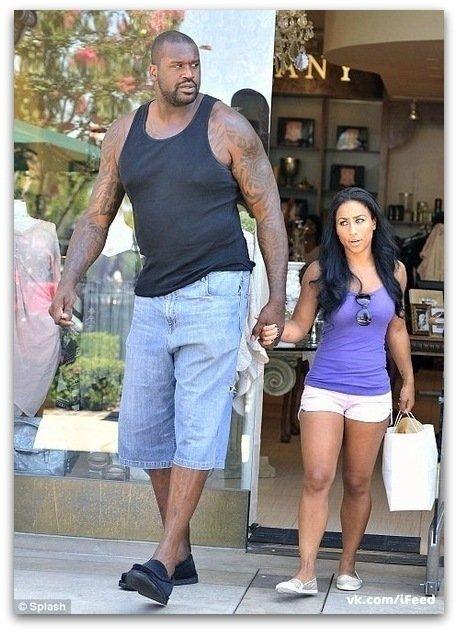 фото большой негр с девушкой