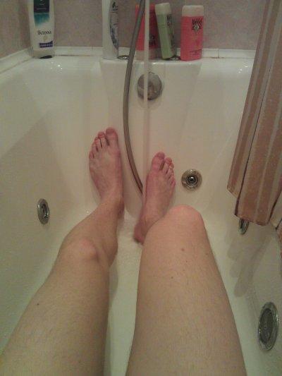 Мужские ноги в ванной фото фото 399-968