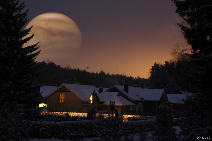 Вот такие чудеса запечатлил на выходных. На фото Венера близка к Земле.