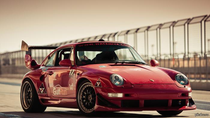 Какие у пикабу автомобили мечты? Добавляйте в каменты свои любимые машины)  На фото - Porsche 911 GT2 993 серии.