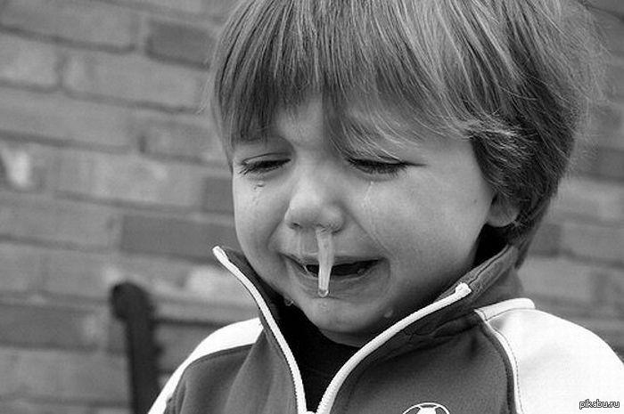 Картинки плачущая девочка прикольная