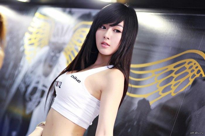 """Девочка из Кореи Hwang Mi Hee - корейская фотомодель. Считаю что она очень красивая и милая, и выставляю на """"суд Пикабу"""" Внизу еще парочка..."""
