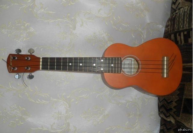 фото маленькая гитара