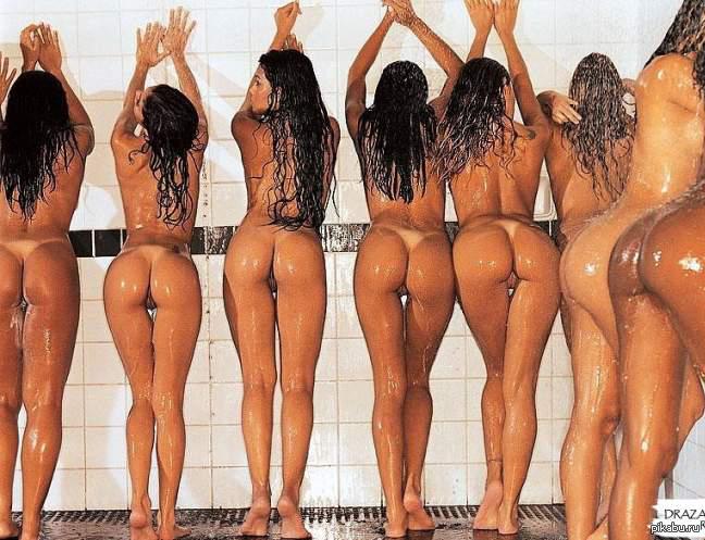 Под душем с девочками