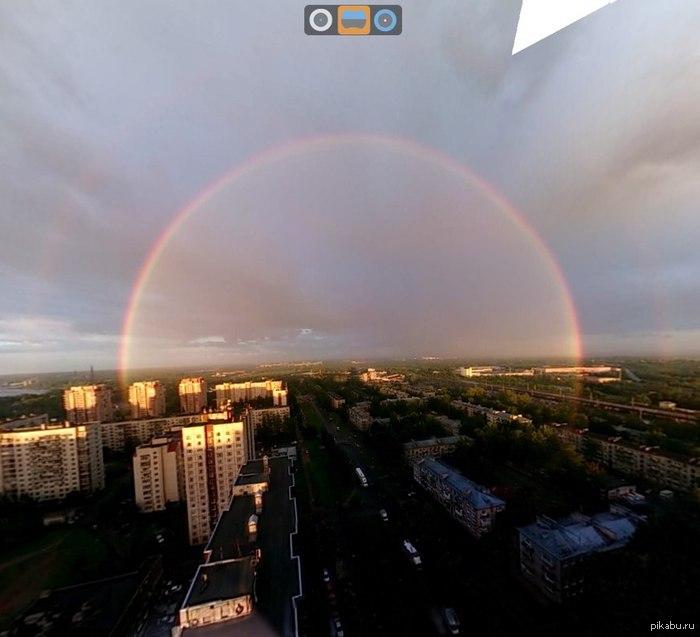 12 июня была крутая радуга в Питере, даже две!