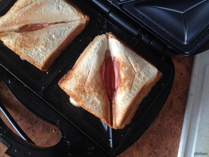 Приготовил сендвич , но моя фантазия говорит мне , что это не сендвич