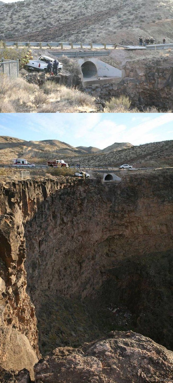 Невероятное везение Машина пробила ограждение (справа – там, где люди) и перелетела на другую сторону дренажной канавы, перевернувшись в воздухе.