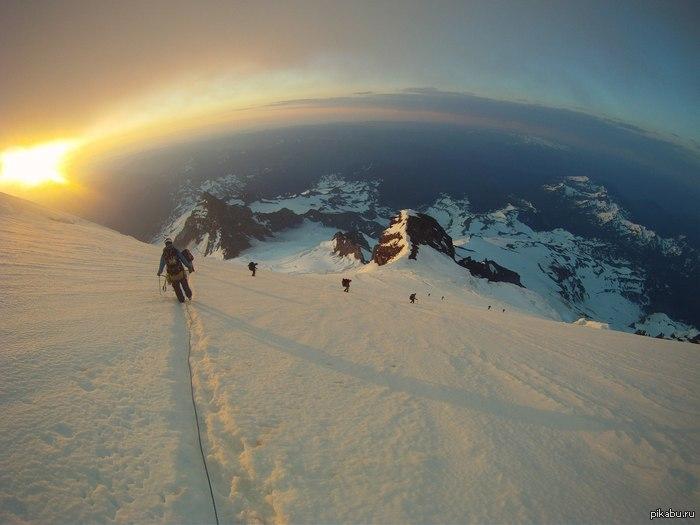 Пейзаж, который запомнится на всю жизнь. Стратовулкан Рейнир, штат Вашингтон. 4000 метров над уровнем моря.