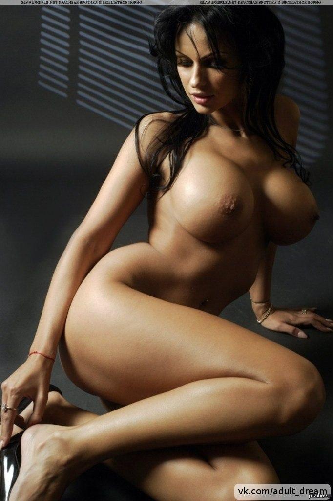 Грудастая брюнетка фото, жесткое порно с плаксами