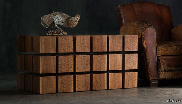 Парящий столик Недавно видел на пикабу пост про магнитную ручку, а сегодня увидел такой столик - в кубиках магниты, кубики скреплены гибкой проволокой.   P.S. Стоит как машина