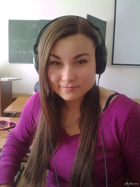 Пьяная русская девочка глотает сперму