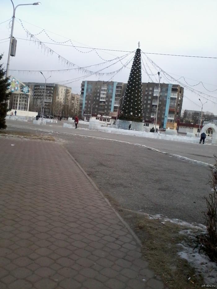 "В Каире есть снег. В Новокузнецке нет снега. Пам пам. <a href=""http://pikabu.ru/story/v_egipte_vyipal_sneg_1776404"">http://pikabu.ru/story/_1776404</a>  навеяло. фотки мои, простите за качество, 2 мп.   Внутри еще одно фото"