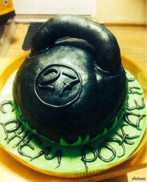 Подарок для друга) Идея конечно не новая, но мой тортик еще и с высоким содержанием белка)))
