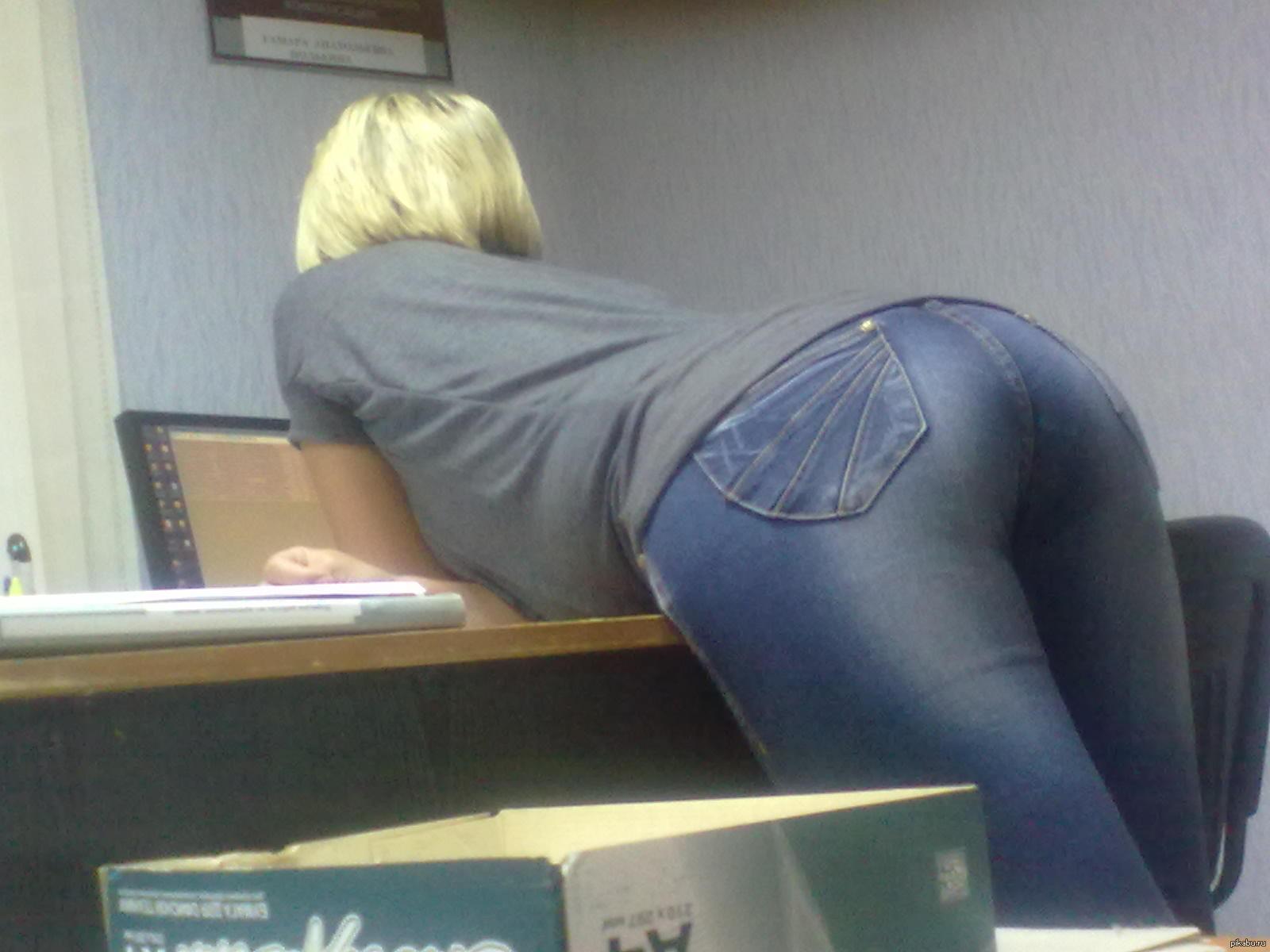 Частное фото женщина в штанах, Голые девушки со спущенными штанами Фото голых 19 фотография