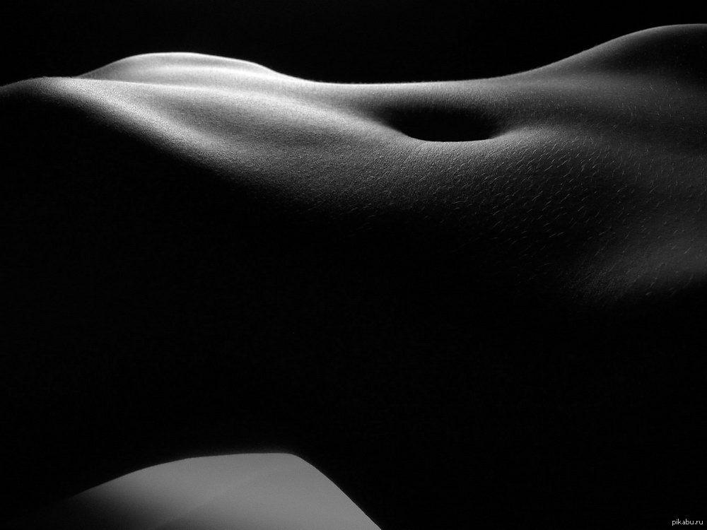Красивое фото в стиле ню груди она