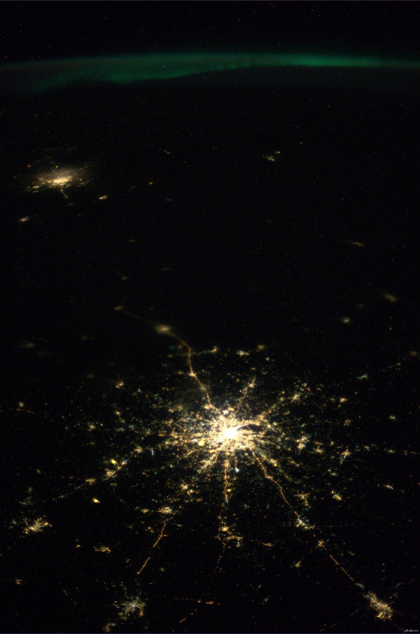 фото москвы и питера с космоса можно зделать скриншоты