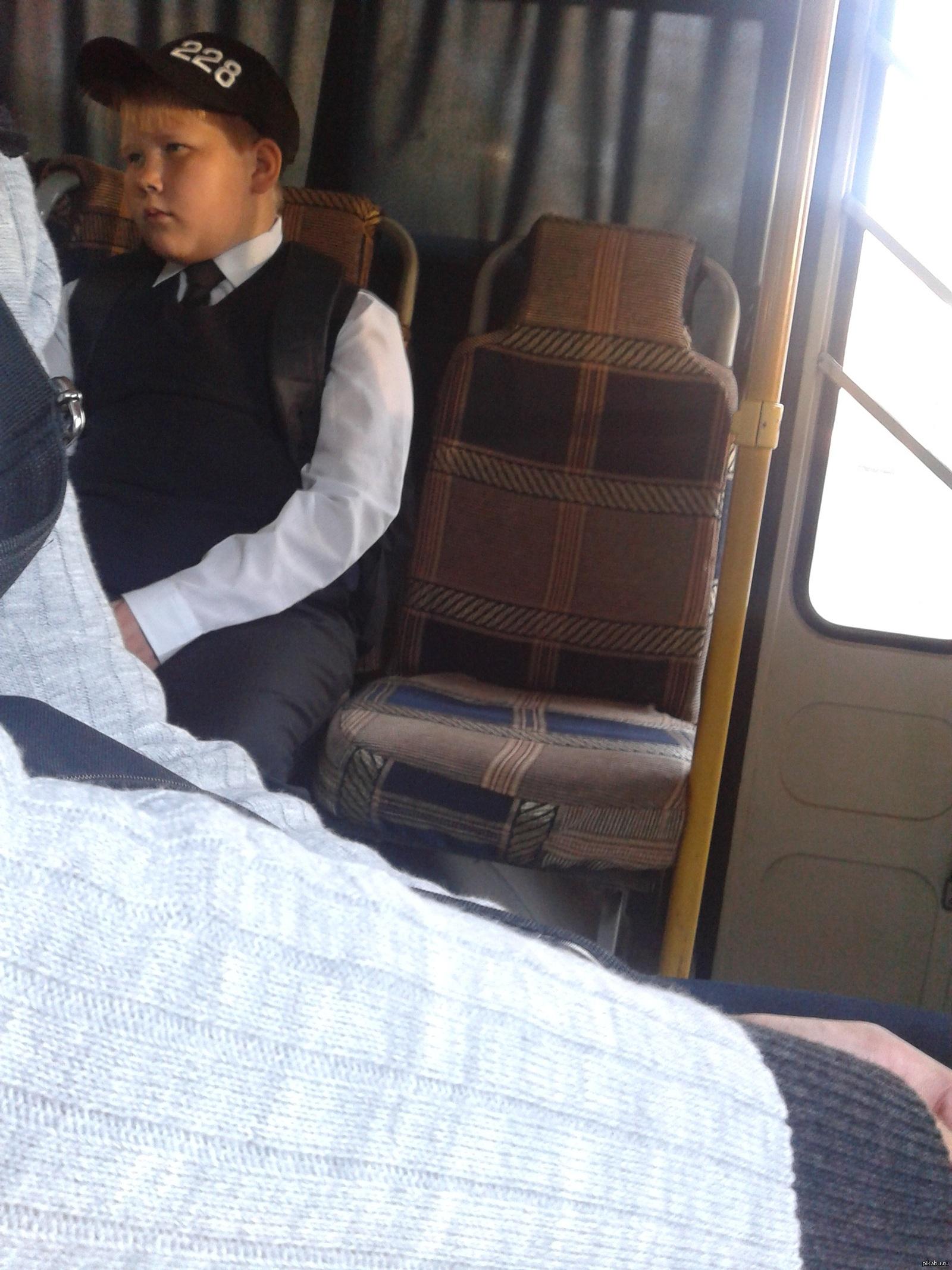 Трогают девушек в автобусе, Трогает девушку в автобусе. Лучшие. Смотри редкие 13 фотография