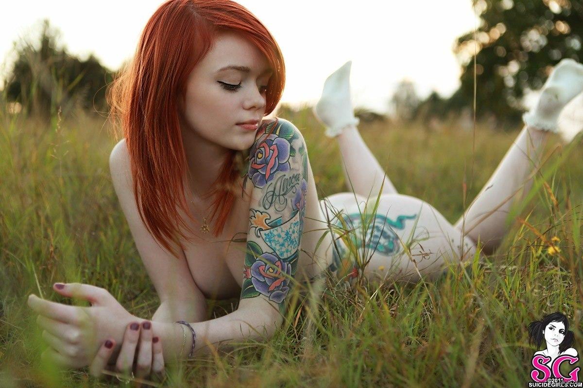 kendyy-suicide-girl-half-naked-hot-black-ladies