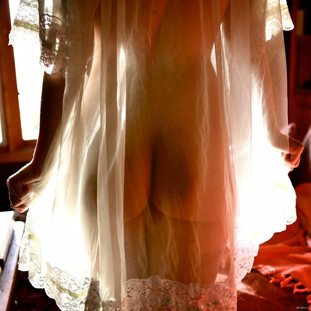 прозрачное платье и голая попа антошка